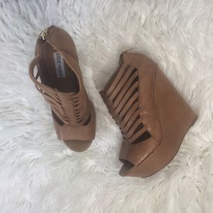 Steve Madden Louees Strappy Wedges